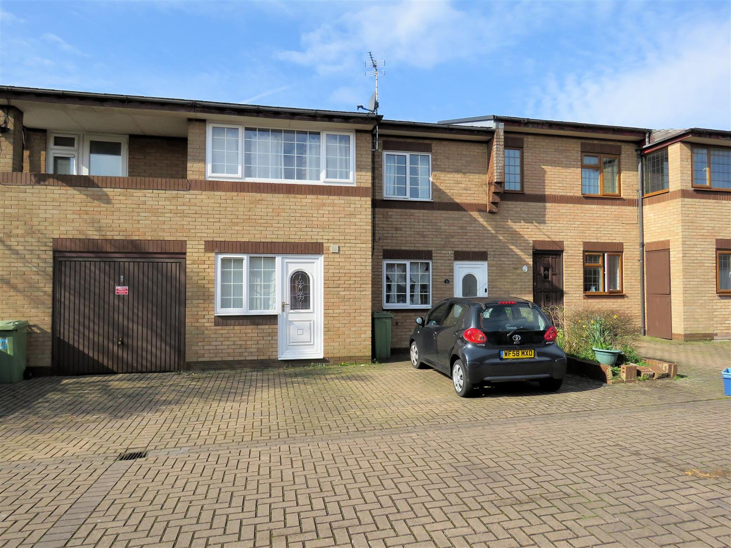 Property To Rent In Oldbrook Milton Keynes